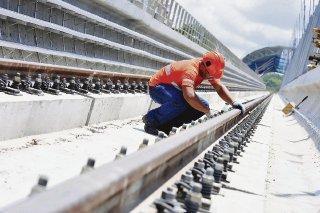 infraestructuras. Este Gobierno habrá destinado más de $13 mil millones a obras públicas. Martinelli y sus ministros aseguran que la deuda se contrata para sufragar estas inversiones, que no fueron ejecutadas por sus predecesores. LA PRENSA/Ana Rentería