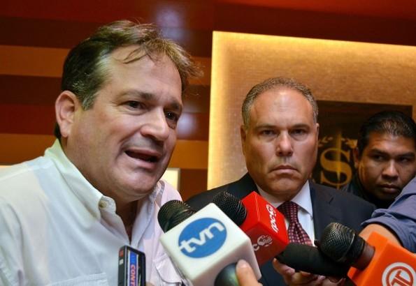ENLACE. Samuel Lewis, pariente de Navarro y de Alberto Vallarino.